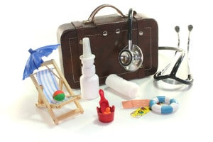 Reiseapotheke mit Medikamenten