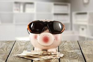 Finanztipps für die Reise - Gut informiert im Urlaub Kosten sparen