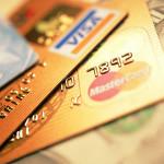 Aus Sicherheitsgründen wird auf Reisen die Mitnahme einer zweiten Kreditkarte empfohlen