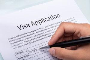 Ausfüllen eines Antrages für die Beantragung eines Visas