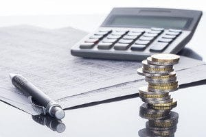 Das Auslandseinsatzentgelt muss bei der Nutzung von Kreditkarten und EC-Karten im Ausland beachtet werden