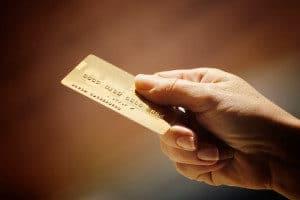Gebühren bei der bargeldlosen Bezahlung per EC-Karte oder Kreditkarte im Ausland