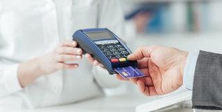 Die bargeldlose Bezahlung mit Kreditkarten ist zum weltweiten Standard geworden