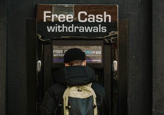 Durch das sogenannte Geoblocking werden Geldkarten vor Missbrauch im Ausland geschützt