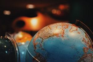 Buchungs-Apps helfen bei der Reisebuchung und zeigen gute Angebote auf