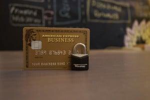Kreditkarten sind nach einem Überfall im Urlaub unbedingt zu sperren