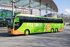Durch neue Transportmittel wie Fernbusse oder spezielle Bahnangebote gewinnt die moderne Mobilität an Vielfalt